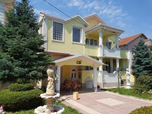 Vila Kraljevski 1, Appartamenti  Kumanovo - big - 1