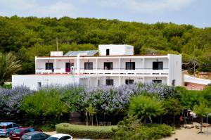 Hostal Alocs, Affittacamere  Playa d'Es Figueral - big - 1