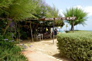 Hostal Alocs, Affittacamere  Playa d'Es Figueral - big - 19