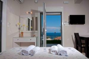 Brentanos Apartments - A - View of Paradise