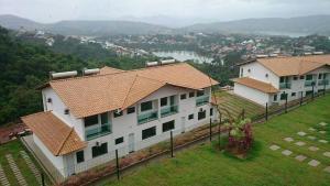 Apartamento Mirante de Escarpas, Apartments  Capitólio - big - 19