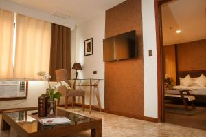 Fernandina 88 Suites Hotel, Отели  Манила - big - 22