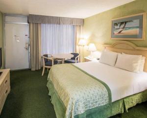 Clarion Inn Stuart, Hotel  Stuart - big - 14