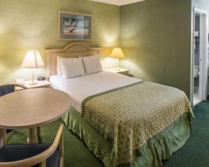 Clarion Inn Stuart, Hotel  Stuart - big - 17