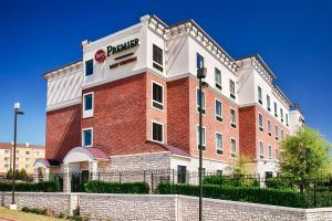 Best Western Premier Crown Chase Inn & Suites, Отели  Denton - big - 153