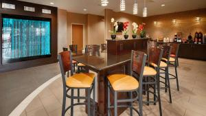 Best Western Plus Denton Inn & Suites, Hotely  Denton - big - 47