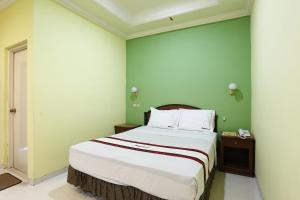 RedDoorz near Ambarukmo Plaza 3, Penzióny  Yogyakarta - big - 1