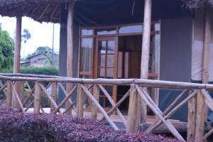 Lake Chahafi Resort, Luxury tents  Kisoro - big - 8