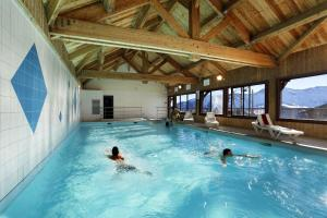 Residence Hedena Les Chalets des Cimes By Locatour, Apartmány  La Toussuire - big - 17