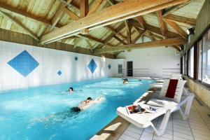 Residence Hedena Les Chalets des Cimes By Locatour, Apartmány  La Toussuire - big - 16
