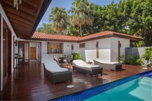 Villa de 4 dormitorios con jardín y carrito de golf incluido