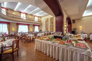 Hotel Terme Salus, Hotels  Abano Terme - big - 9
