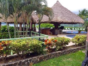 Flamingo Marina Resort #108, Playa Flamingo