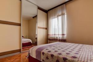 Residence Lamba, Apartmány  Radanovići - big - 4