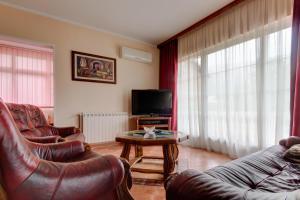 Residence Lamba, Apartmány  Radanovići - big - 12
