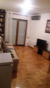 Apartment Sara, Apartments  Petrovac na Moru - big - 10