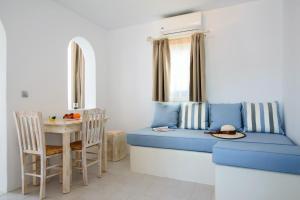Villa George Santorini (Perissa)