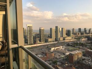 Applewood Suites - 2 BDRM King W, Apartmány  Toronto - big - 10