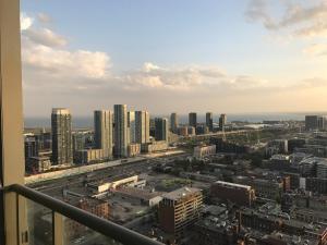 Applewood Suites - 2 BDRM King W, Apartmány  Toronto - big - 11