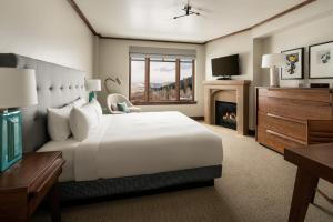 King Room with Valley View