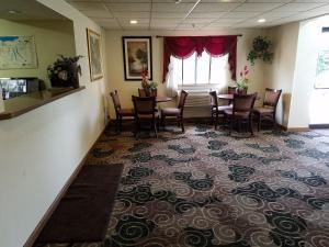 Auburn Inn, Hotels  Auburn - big - 21