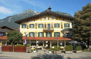 Atlas Posthotel, Hotely  Garmisch-Partenkirchen - big - 1