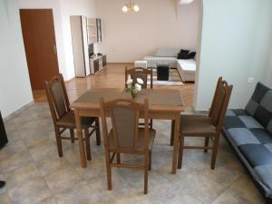 Apartments Kaloyan, Apartments  Veliko Tŭrnovo - big - 23
