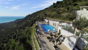 Residence Montelci - AbcAlberghi.com