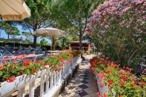 Park Hotel Marinetta, Hotely  Marina di Bibbona - big - 52
