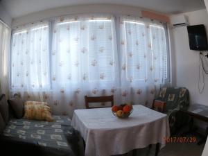Vila Gerbera, Апартаменты  Сутоморе - big - 17