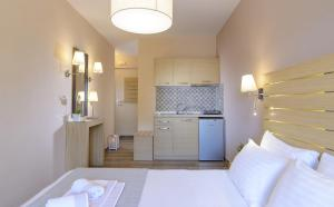 Athos Thea Luxury Rooms, Apartmány  Sarti - big - 32