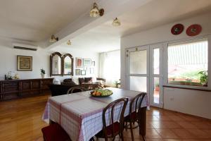 Basic apartman, Apartments  Zadar - big - 13