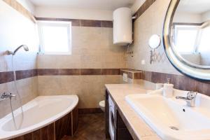 Basic apartman, Apartments  Zadar - big - 37