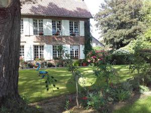 Chambres d'hôtes Manoir du Buquet, Bed & Breakfast  Honfleur - big - 41