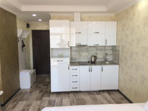 Holiday Comfort Apartment, Apartments  Batumi - big - 38
