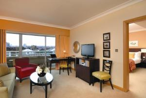 Chelsea King Suite with Balcony