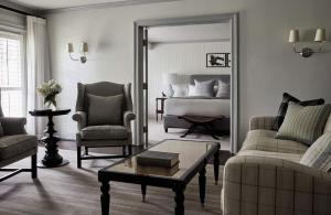 Water View Luxury Suite
