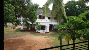 Villa Santhara, Bed & Breakfast  Galle - big - 5
