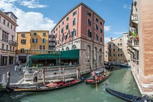 Hotel Bonvecchiati(Venecia)