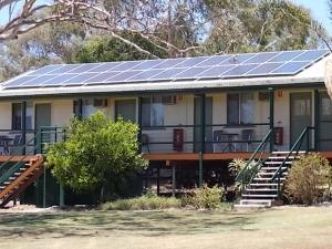 Oakridge Motel Tourist Park, Motels  Oakey - big - 50
