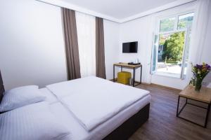 Riverside Residence, Guest houses  Sarajevo - big - 26
