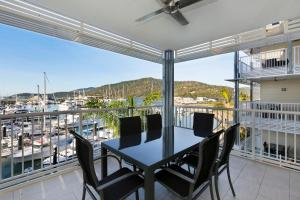 Boathouse Port of Airlie, Apartments  Airlie Beach - big - 13