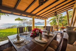 Casa Playa Bonita - Five Bedrooms, Playa Flamingo