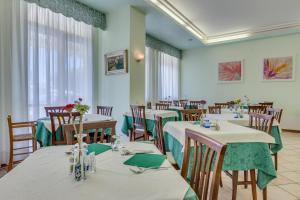 Hotel Austria, Szállodák  Caorle - big - 68