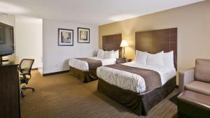 Deluxe Queen Room with Two Queen Beds- Non-Smoking