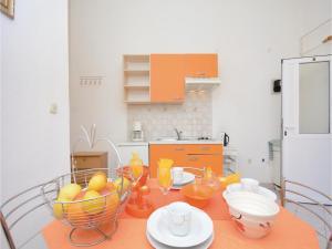 One-Bedroom Apartment Biograd 01, Апартаменты  Биоград-на-Мору - big - 10