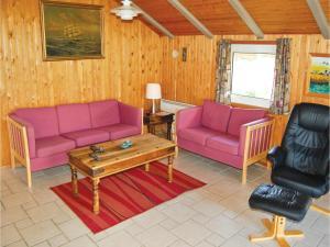 Holiday home Lakolk III, Nyaralók  Bolilmark - big - 13