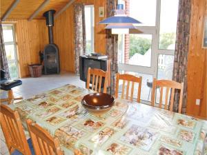 Holiday home Lakolk III, Nyaralók  Bolilmark - big - 9