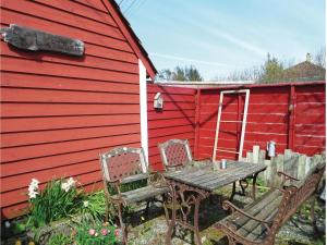 Four-Bedroom Holiday Home in Sveio, Case vacanze  Sveio - big - 17