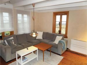 Four-Bedroom Holiday Home in Sveio, Case vacanze  Sveio - big - 4